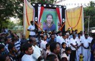 தமிழகத்தில் உள்ள ஈழத்தமிழர்கள் முதலமைச்சர் செல்வி ஜெயலலிதா அவர்களுக்கு அஞ்சலி செலுத்தி உள்ளனர் .
