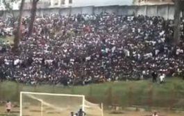 அங்கோலாவில் கால் பந்தாட்ட மைதானத்தில் கூட்ட நெரிசல்: 17 பேர் உடல் நசுங்கி பலி