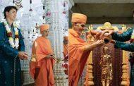 இந்து கோயிலில் பூஜை செய்த கனடா பிரதமர்
