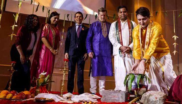 வேட்டி அணிந்து பாரம்பரிய முறையில் பொங்கல் கொண்டாடிய கனடா பிரதமர்!