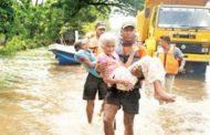 சீரற்ற காலநிலையினால் 18 மாவட்டங்களில் 137 தொகுதிகள் பெரும் பாதிப்பு