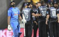 மூன்றாவதும் இறுதியுமான T-20 போட்டியில் கடின இலக்கை நோக்கி துடுப்பெடுத்தாடிய இந்தியா அணி தோல்வி!!!