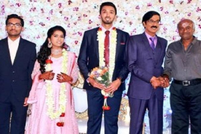 பிரபல காமெடி நடிகர் மனோபாலாவின் மகன் திருமணம்...!!!