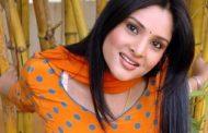 இயக்குனரை வெளுத்து வாங்கிய நடிகை ரம்யா...!!!