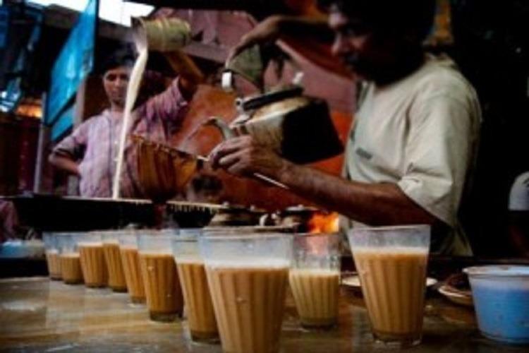 ராஜஸ்தான் மாநிலத்தை சேர்ந்த டீ வியாபாரி தனது மகள்களுக்கு ரூ.1.5 கோடி வரதட்சணை வழங்கியது அதிர்ச்சியை ஏற்படுத்தியுள்ளது.