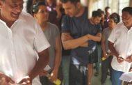 ஓட்டு போட வரிசையில் காத்திருந்த வில்லன் நடிகர் பிரகாஷ்ராஜூக்கு 41 ஆண்டுகளுக்கு பின்னர் அடித்த அதிர்ஷ்டம்!