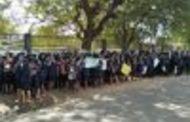 யாழ்ப்பாண பல்கலைக்கழக கல்லூரி மாணவர்கள் கவனயீர்ப்பு போராட்டம்..!!