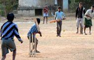 ஊரடங்கு வேளையில் விளையாடிய இளைஞர்களிற்கு நேர்ந்த கதி..!!