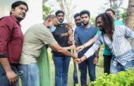 விவேக் நினைவாக மரக்கன்றுகள் நட்ட மாநாடு படக்குவினர்